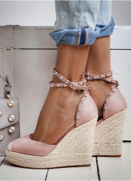 Sandále na klinovom podpätku